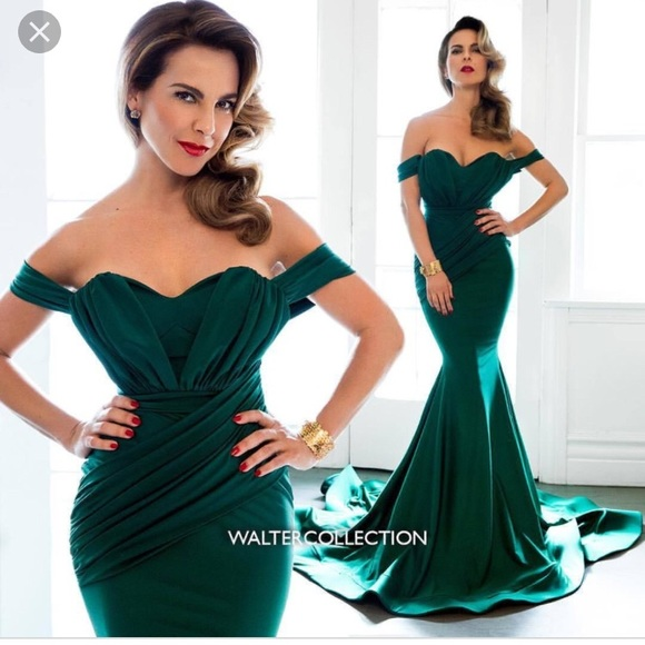 e2f92e492f3 Dresses   Skirts - Beautiful sexy classy emerald green dress